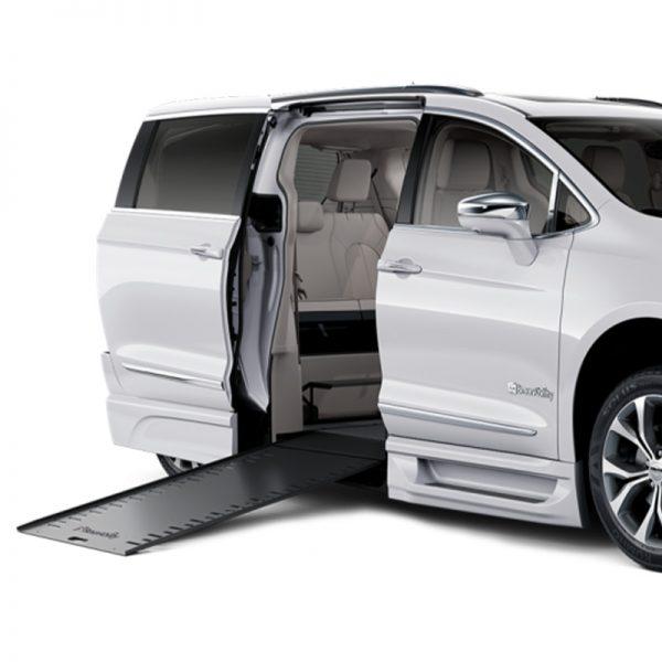 Plancher abaissé Chrysler entrée latérale pleine conversion